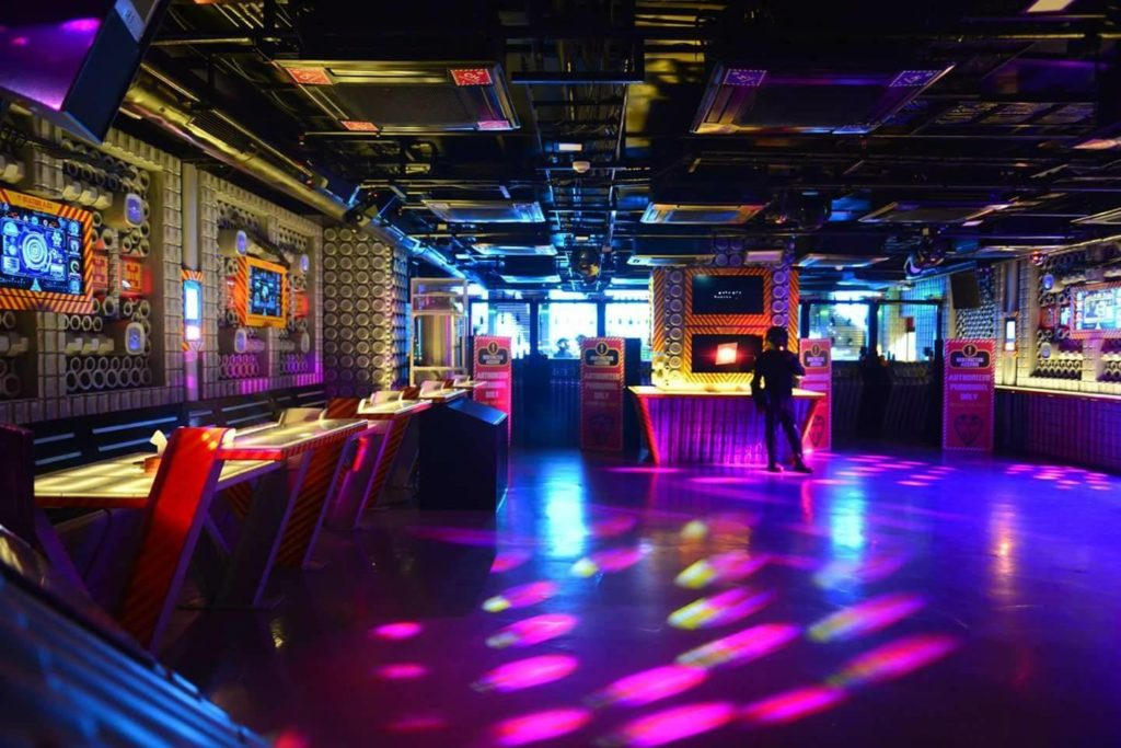 Bangalore's best nightclub Cloudnyn, Sterlings Mac Hotel, Bangalore.